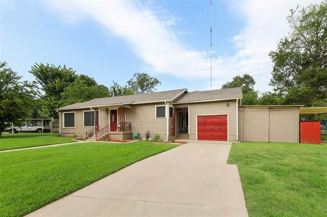3025 Mesquite Road, Fort Worth, TX 76111 (MLS #14636684) :: The Chad Smith Team