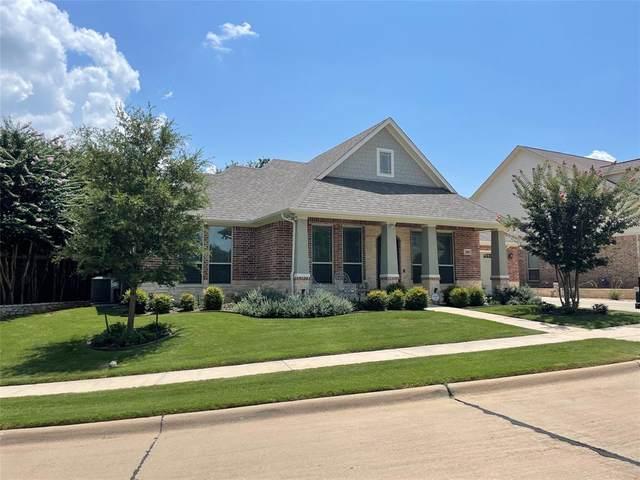 300 Turner Circle, Granbury, TX 76048 (#14636716) :: Homes By Lainie Real Estate Group