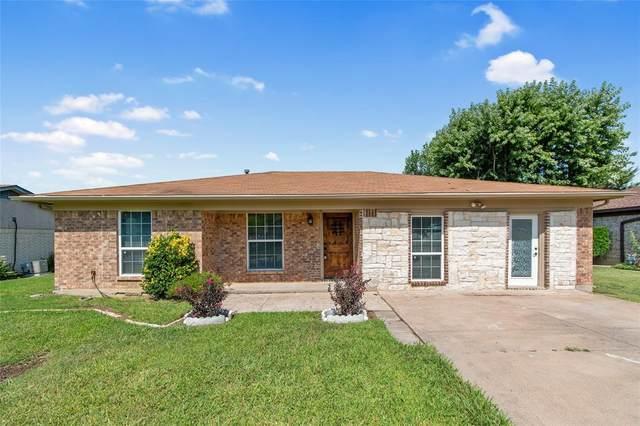 5933 Jackie Terrace, Watauga, TX 76148 (MLS #14636772) :: Real Estate By Design