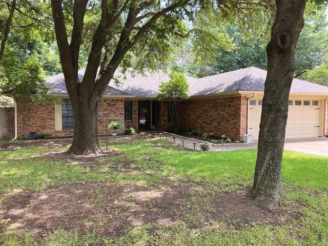 8605 Skyview Terrace, Benbrook, TX 76116 (MLS #14636935) :: Real Estate By Design