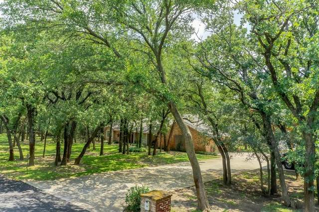 15 Twin Springs Drive, Dalworthington Gardens, TX 76016 (MLS #14637127) :: Real Estate By Design