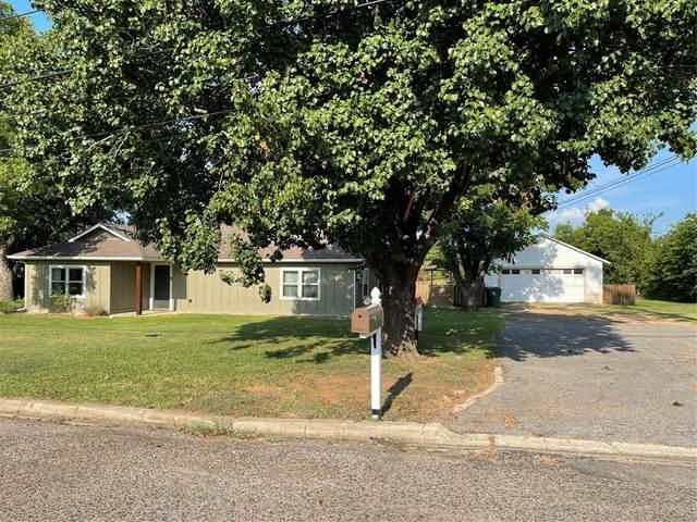704 White Street, Whitesboro, TX 76273 (MLS #14637192) :: The Chad Smith Team