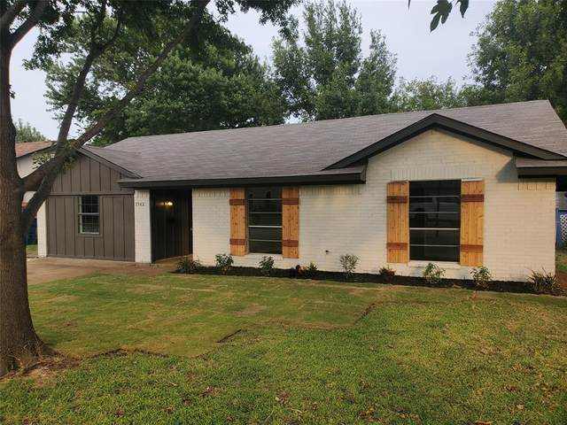 1542 Kingston Drive, Lewisville, TX 75067 (MLS #14637201) :: Wood Real Estate Group
