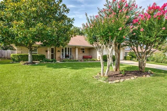 702 Oak Lane, Grapevine, TX 76051 (MLS #14637332) :: Real Estate By Design