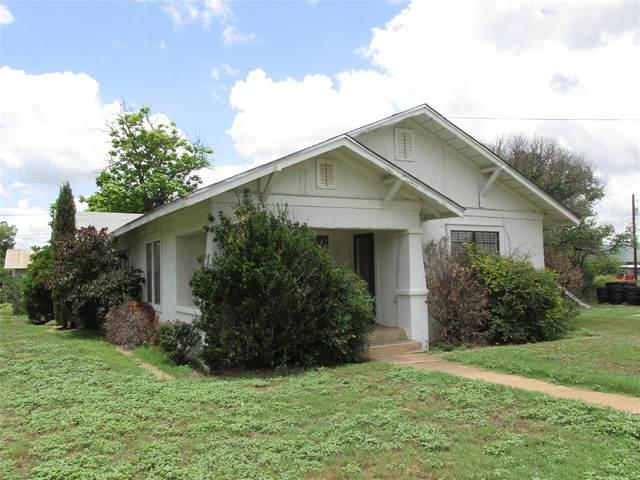 806 S College Street, Brady, TX 76825 (MLS #14637614) :: The Good Home Team