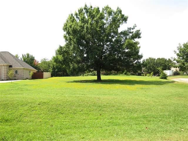 835 Kiowa E, Lake Kiowa, TX 76240 (MLS #14637658) :: The Mitchell Group