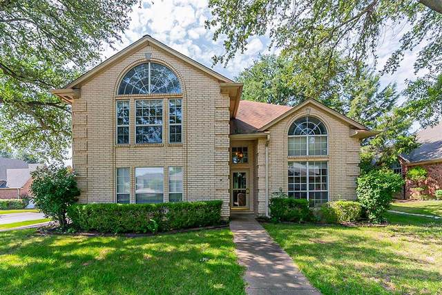 3412 Crescent Court, Bedford, TX 76021 (MLS #14637779) :: Real Estate By Design