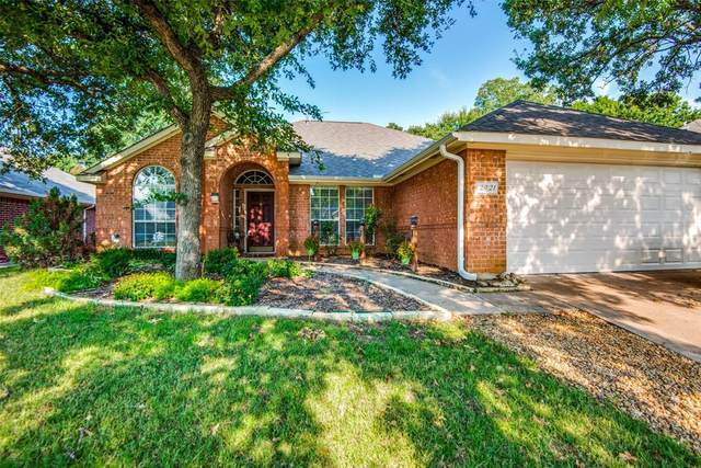 2921 Custer Drive, Corinth, TX 76210 (MLS #14638011) :: Real Estate By Design