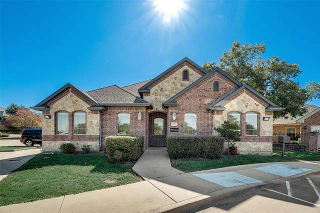 971 W Glade Road, Hurst, TX 76054 (MLS #14638247) :: Real Estate By Design