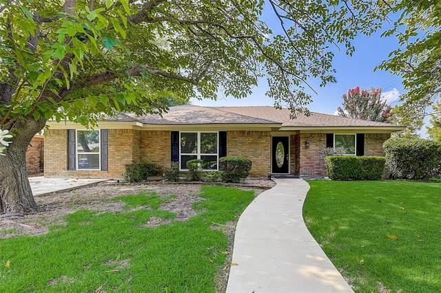 2101 Glen Forest Lane, Plano, TX 75023 (MLS #14638367) :: Real Estate By Design