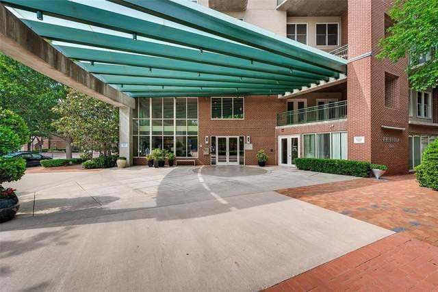 5055 Addison Circle #404, Addison, TX 75001 (MLS #14638509) :: Real Estate By Design