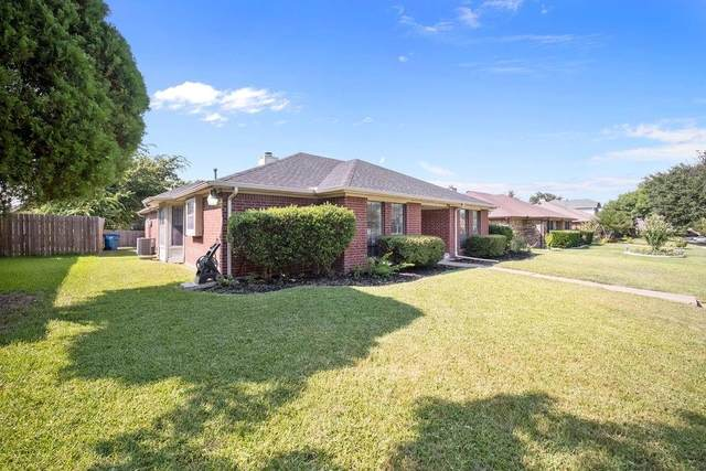 3415 Lilac Lane, Rowlett, TX 75089 (MLS #14638728) :: The Mauelshagen Group