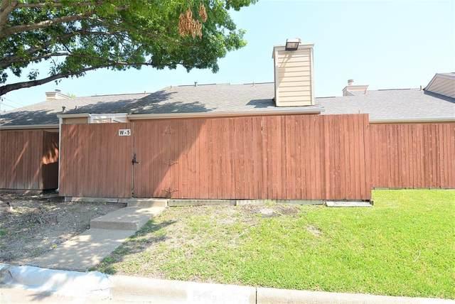 2500 E Park Boulevard W5, Plano, TX 75074 (MLS #14638766) :: Feller Realty