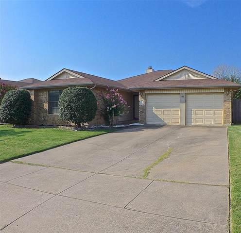 216 Hemlock Drive, Arlington, TX 76018 (MLS #14638810) :: Potts Realty Group