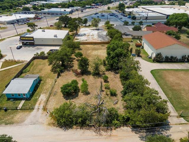 5808 Wreay Drive, Fort Worth, TX 76119 (#14640060) :: Homes By Lainie Real Estate Group