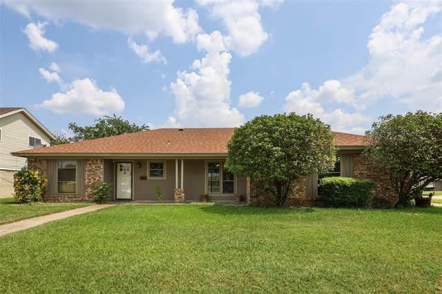 637 Barkridge Trail, Burleson, TX 76028 (MLS #14640187) :: Premier Properties Group of Keller Williams Realty