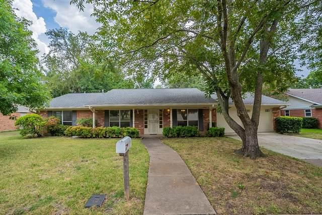 429 Elmview Drive, Hurst, TX 76053 (MLS #14640496) :: Real Estate By Design