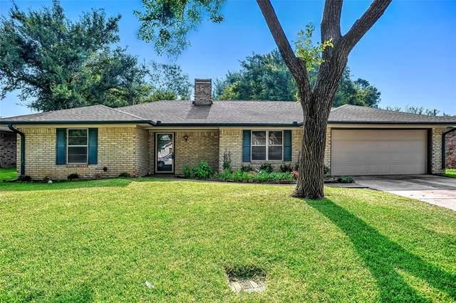3621 Oakwood Street, Denison, TX 75020 (MLS #14641161) :: Robbins Real Estate Group