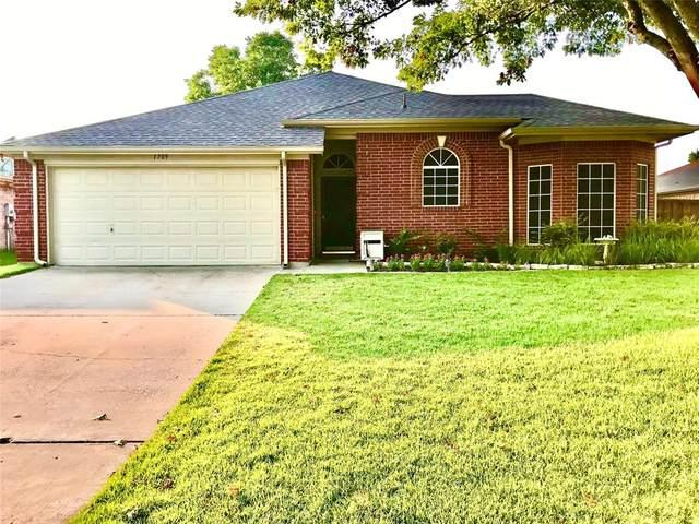 1709 Prescott Drive, Mansfield, TX 76063 (MLS #14641561) :: Real Estate By Design