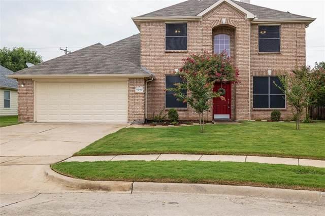5240 Lake Grove Drive, Grand Prairie, TX 75052 (MLS #14641615) :: The Chad Smith Team