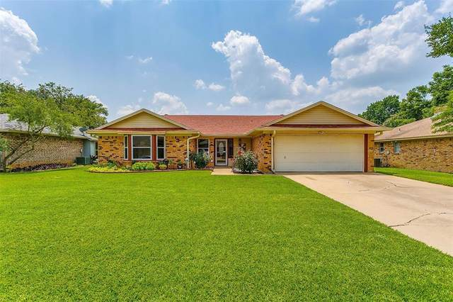 1020 Westminster Lane, Mansfield, TX 76063 (MLS #14642541) :: Real Estate By Design