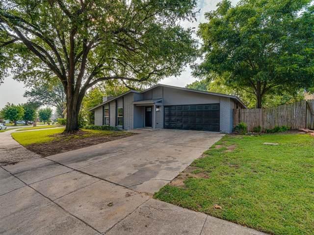 700 Foxford Trail, Arlington, TX 76014 (MLS #14642594) :: RE/MAX Landmark