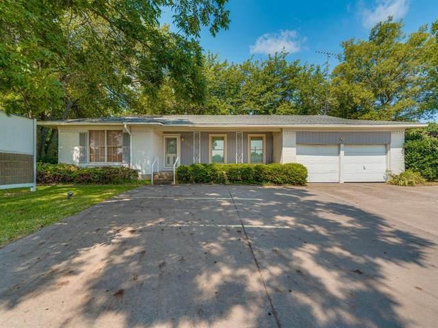 303 N Broadway Street, Joshua, TX 76058 (MLS #14644146) :: Real Estate By Design