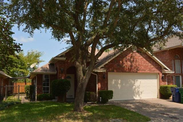 13 Country Club Place, Waxahachie, TX 75165 (MLS #14645989) :: Craig Properties Group