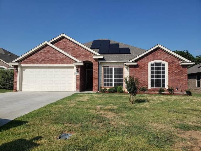 316 N Hyde Park Boulevard, Cleburne, TX 76033 (MLS #14646186) :: Russell Realty Group