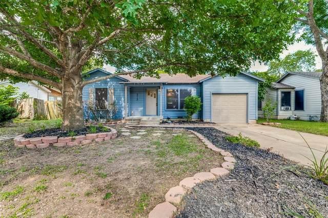 313 Harrison Lane, Hurst, TX 76053 (MLS #14647302) :: Real Estate By Design