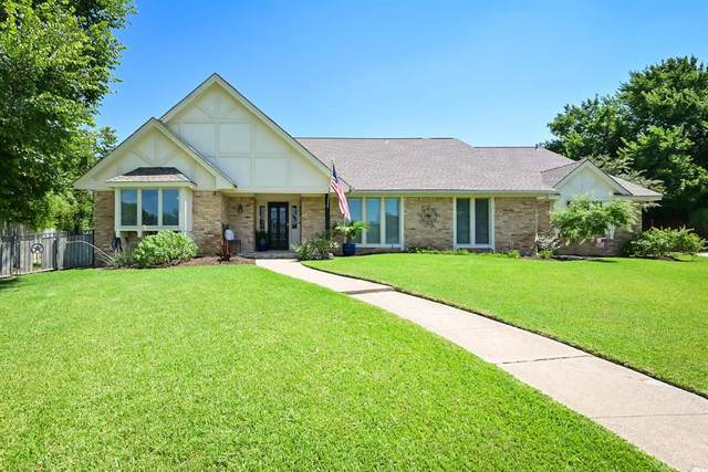 9 Country Club Court, Pantego, TX 76013 (MLS #14648663) :: Russell Realty Group