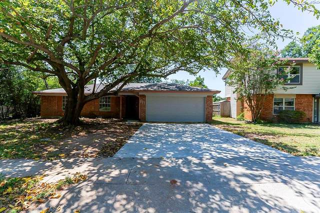 813 Rockwall Drive, Euless, TX 76039 (MLS #14648773) :: All Cities USA Realty