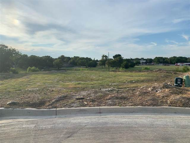 7924 Wilson Cliff Court, White Settlement, TX 76108 (MLS #14648920) :: Robbins Real Estate Group