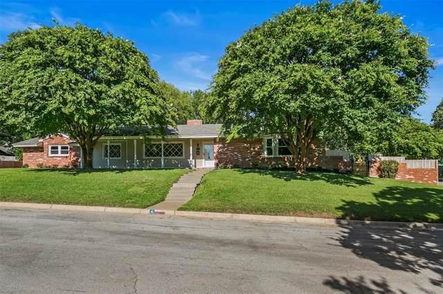 2200 Mcewen Court, Fort Worth, TX 76112 (MLS #14649443) :: Real Estate By Design