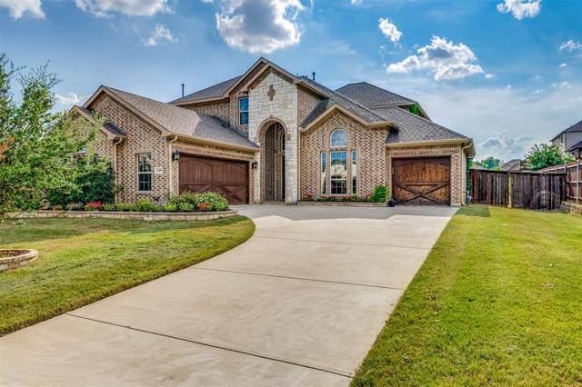 2209 Clarebrooke Drive, Grand Prairie, TX 75050 (MLS #14650361) :: Craig Properties Group