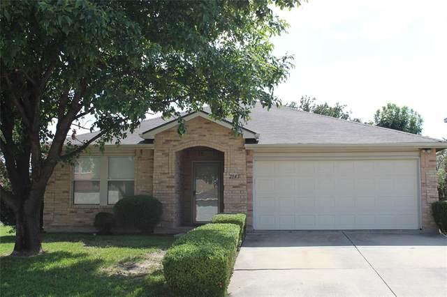 2943 Celian Drive, Grand Prairie, TX 75052 (MLS #14650417) :: Russell Realty Group