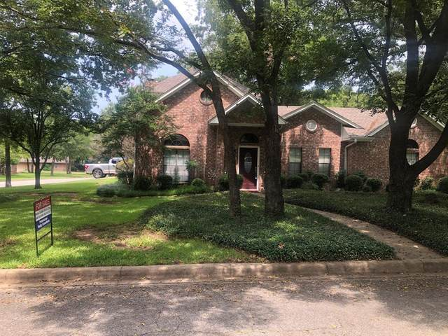 100 Middlefield Drive, Pottsboro, TX 75076 (#14651122) :: Homes By Lainie Real Estate Group