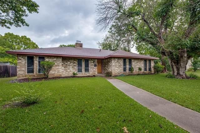 955 Oakbluff Drive Dr., Lancaster, TX 75146 (MLS #14652298) :: Craig Properties Group