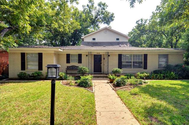 1608 Larkspur Drive, Arlington, TX 76013 (MLS #14652759) :: Real Estate By Design