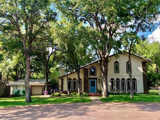 1023 Royal Lane, Graham, TX 76450 (MLS #14653028) :: Real Estate By Design