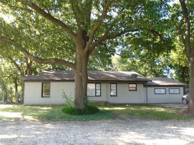 704 Scurlock Street, Grandview, TX 76050 (MLS #14653199) :: The Juli Black Team