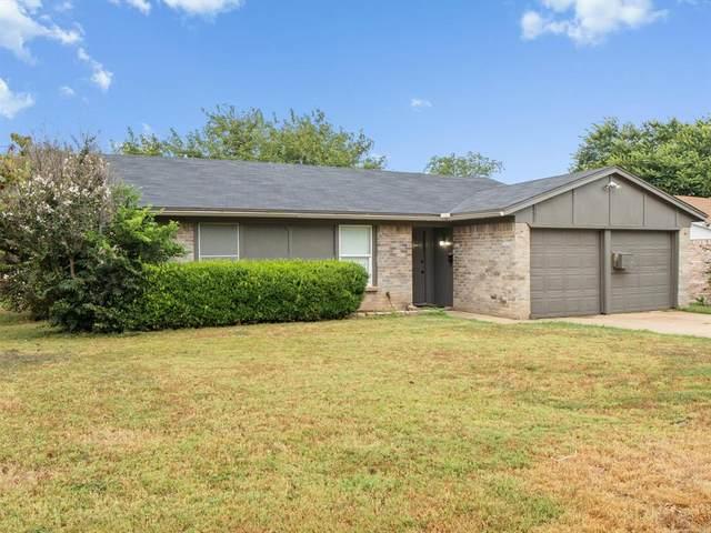 301 E Hampton Road, Crowley, TX 76036 (MLS #14653997) :: Craig Properties Group