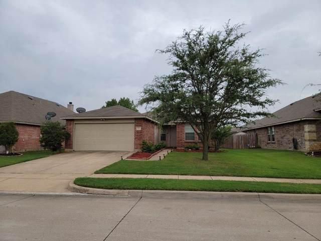 525 Jennifer Drive, Burleson, TX 76028 (MLS #14654509) :: The Juli Black Team