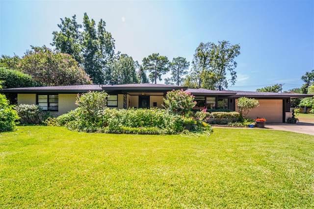 1106 Lynda Lane, Arlington, TX 76013 (MLS #14654837) :: Real Estate By Design