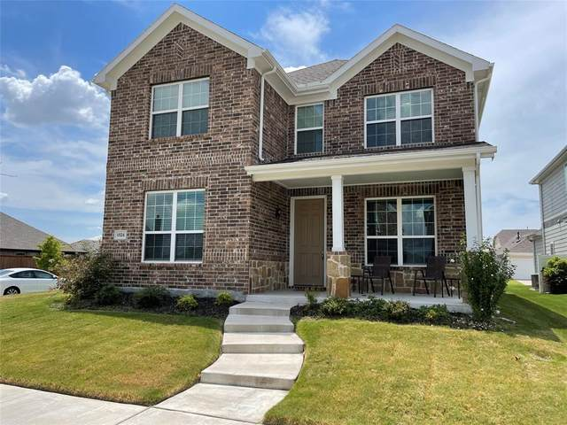 1524 Emerald Tree Place, Aubrey, TX 76227 (MLS #14655079) :: Real Estate By Design