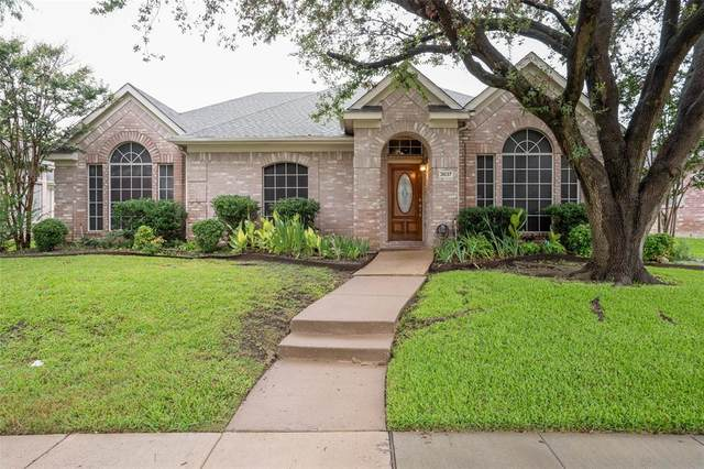 3837 Pine Valley Drive, Plano, TX 75025 (MLS #14655239) :: Real Estate By Design
