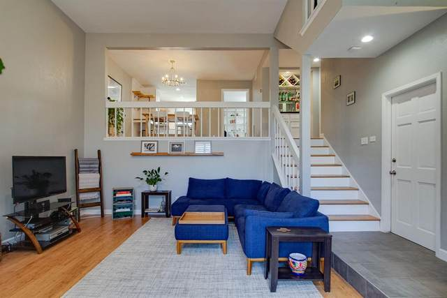 3515 Brown Street #124, Dallas, TX 75219 (#14655653) :: Homes By Lainie Real Estate Group
