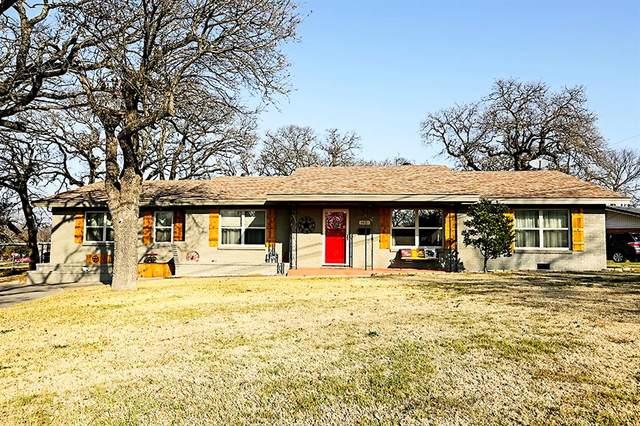 1400 Hulme Street, Bowie, TX 76230 (MLS #14655939) :: Russell Realty Group