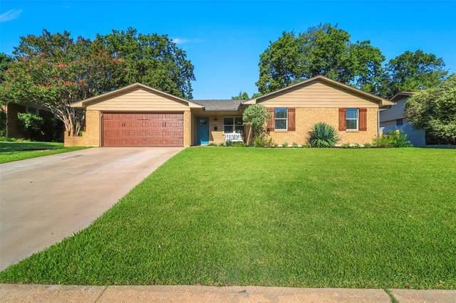 811 Jackson Street, Rockwall, TX 75087 (MLS #14656046) :: Russell Realty Group