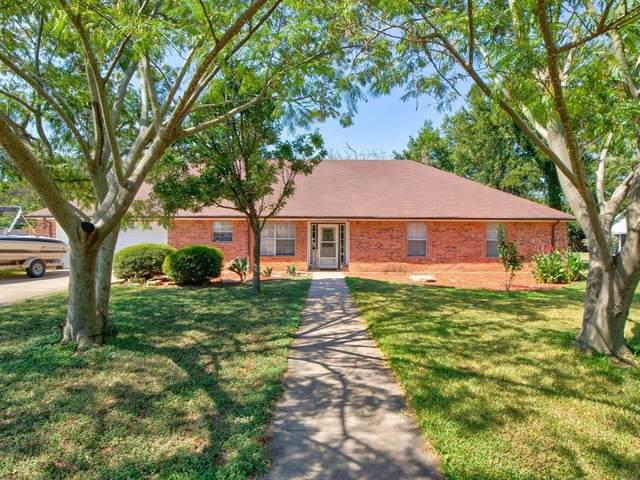 4004 Cherokee Court, Granbury, TX 76048 (MLS #14656072) :: Real Estate By Design